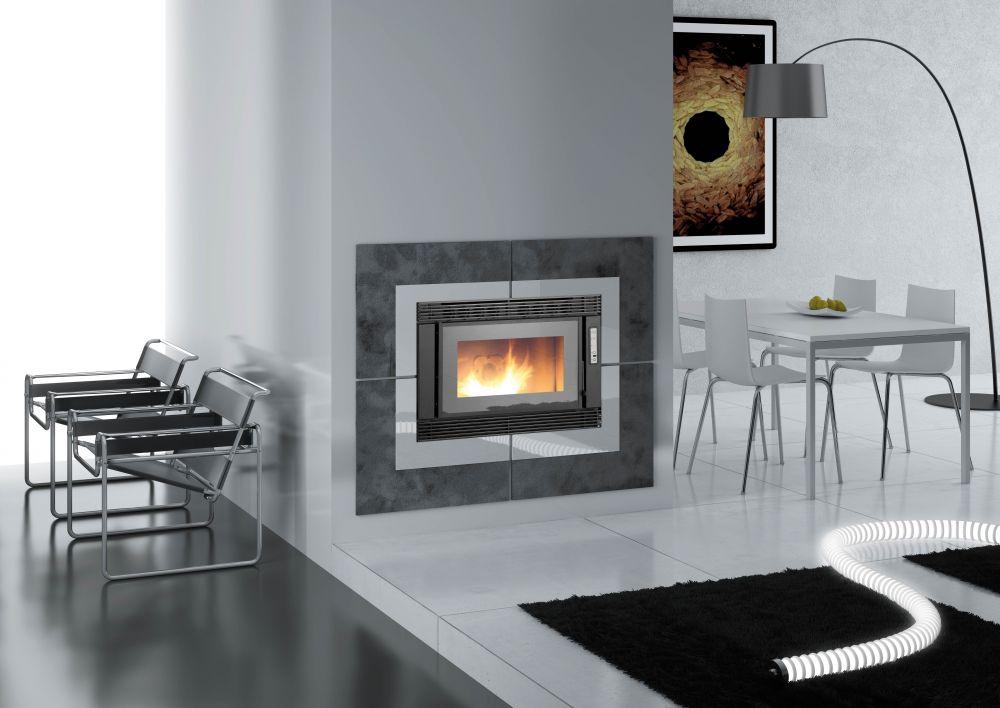 inserts granul s berlino 8kw eco 39 flamm. Black Bedroom Furniture Sets. Home Design Ideas